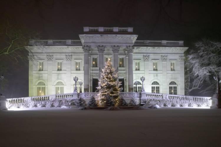 6 Ways to Enjoy a New England Christmas